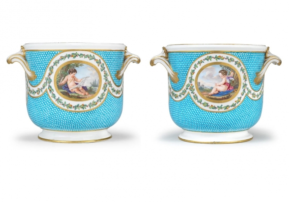 Bonhams England【*】A pair of Sèvres bottle coolers from a service for Madame du Barry, circa 1770